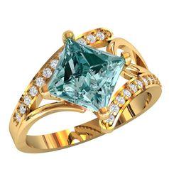 Женское кольцо с большим квадратным камнем