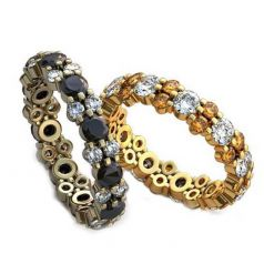 Авторские обручальные кольца с камнями и вензелями по ободку