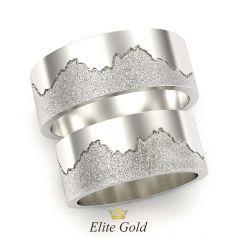 рельефные обручальные кольца в белом золоте с матированием