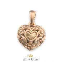 Золотой кулон в виде сердца с цветами