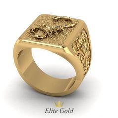Золотое мужское кольцо с изображением скорпиона