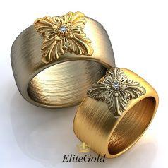 Широкие обручальные кольца Encanto Grande с вензелями в центре