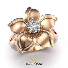Дизайнерское женское кольцо Betty в виде цветка с камнем по центру