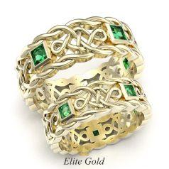 плетеные обручальные кольца в лимонном золоте 585 с изумрудами