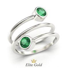 кольцо Karissa в виде спирали в белом золоте с зелеными камнями