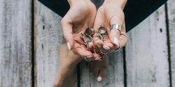 ювелирные украшения в стиле минимализма