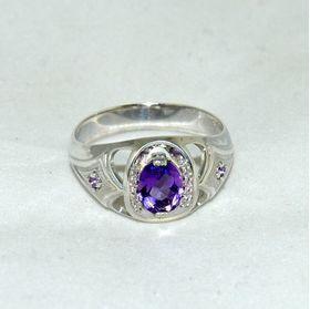 кольцо с аметистом белое золото или серебро