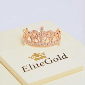 широкое кольцо корона с камнем сверху