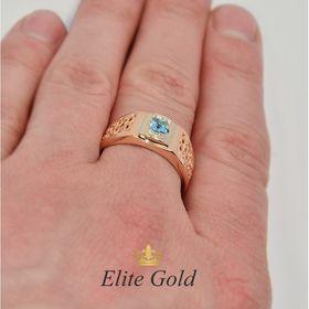 мужская печатка, два цвета золота с топазом и бриллиантами, на пальце
