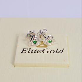 пусеты в форме треугольника в белом золоте с изумрудами