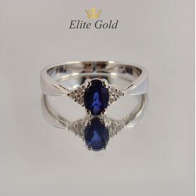 женское кольцо для помолвки с овальным камнем сапфиром в белом золоте