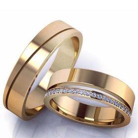 обручальные кольца с прорезями и линиями