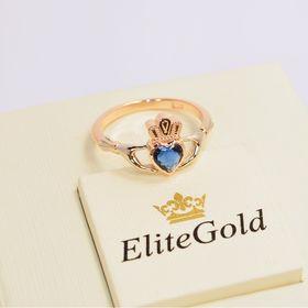кладдахское кольцо с камнем сердце в красном и белом золоте с синим фианитом