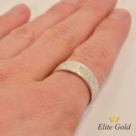 модификация - кольцо в белом золоте с камнями на руке