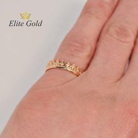 Tiara ring - Кольцо Корона в красном золоте на руке