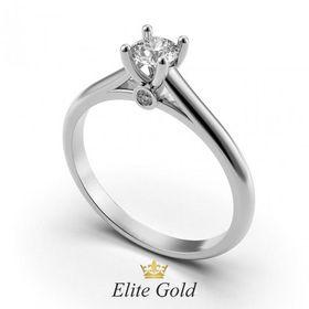 лаконичное кольцо для помолвки в белом золоте