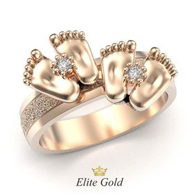 кольцо с двумя парами пяточек в красном золоте