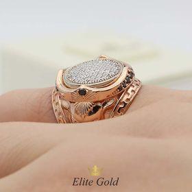 кольцо Arena с россыпью камней на пальце