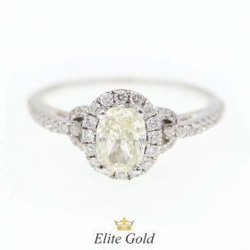 кольцо с бриллиантами овалом в центре