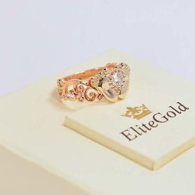 кольцо в виде пяточек в красном и белом золоте