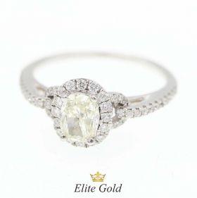 кольцо с овальным желтым бриллиантом в центре из белого золота