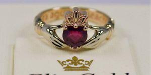 кладдахские кольца с красным камнем
