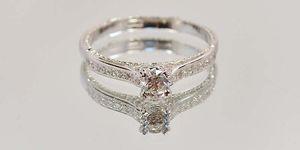 кольцо для помолвки с бриллиантом