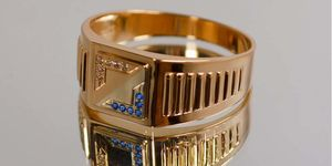 мужское кольцо квадратной формы