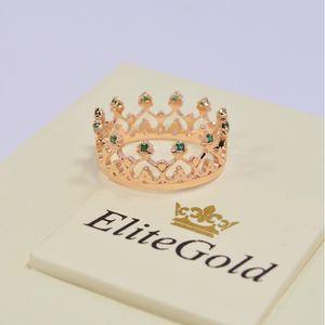 кольцо корона Grace в красном золоте с зелеными фианитами
