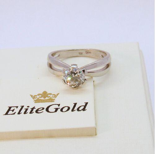 в белом золоте с бриллиантом