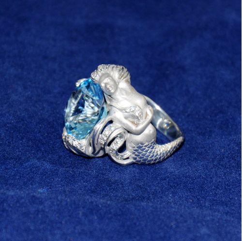 кольцо массивное в виде русалки