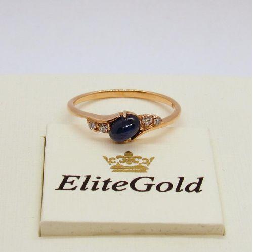 кольцо с сапфиром и бриллиантами в красном золоте