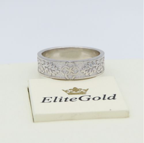 кольцо свадебник с орнаментом в белом золоте без камней