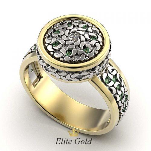 кольцо Fidella в лимонном и белом золоте с зелеными и белыми камнями