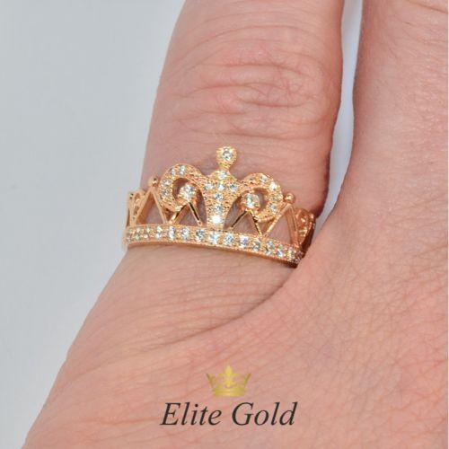 кольцо корона широкое на руке