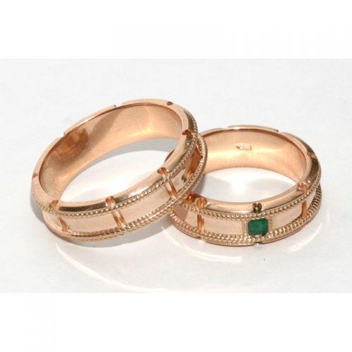 обручальные кольца с веночками матированные с камнем изумруд