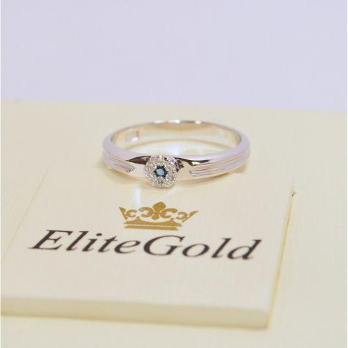 женское помолвочное кольцо в белом золоте с бриллиантами