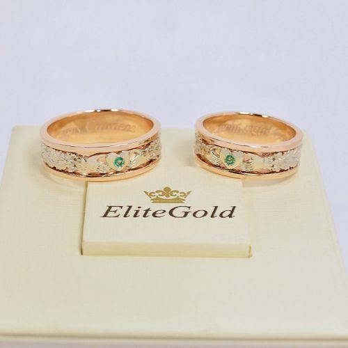 обручальные кольца ирландские в красном и белом золоте с зелеными камнями