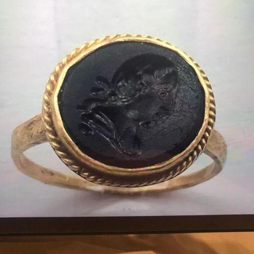 мужская печатка с камнем и накладкой