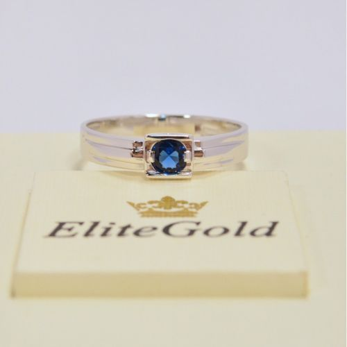 кольцо в белом золоте с сапфиром