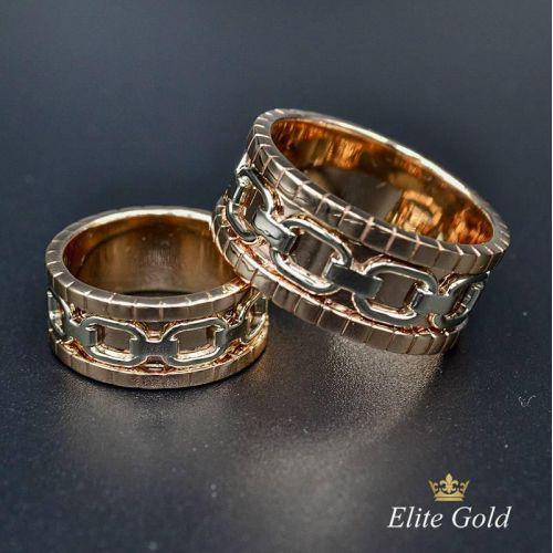 ольца Tandem с основой из красного золота и белой цепью