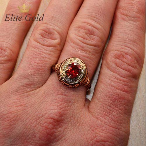 перстень Desert Sands на руке