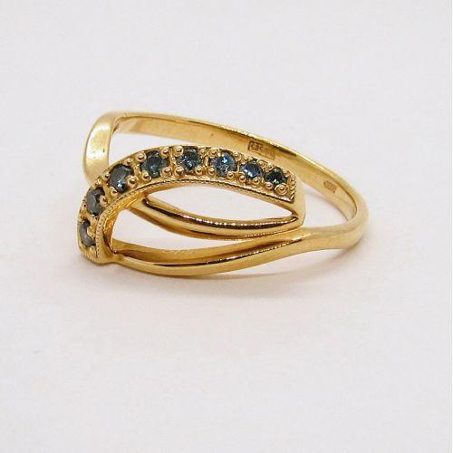 золотое кольцо с цветными бриллиантами