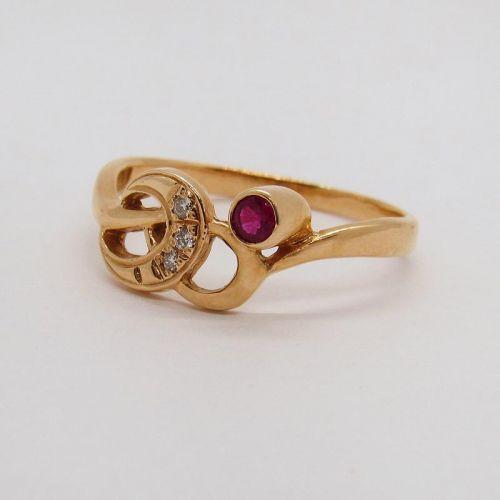 кольцо с рубином и бриллиантами в красном золоте