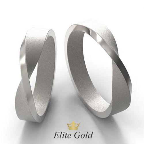 лента мебиуса кольца в белом золоте