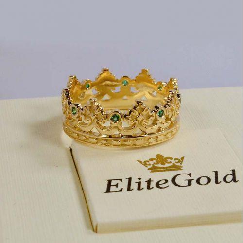 кольцо корона в лимонном золоте с зелеными камнями