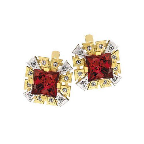 серьги в двух цветах золота с красными крупными камнями