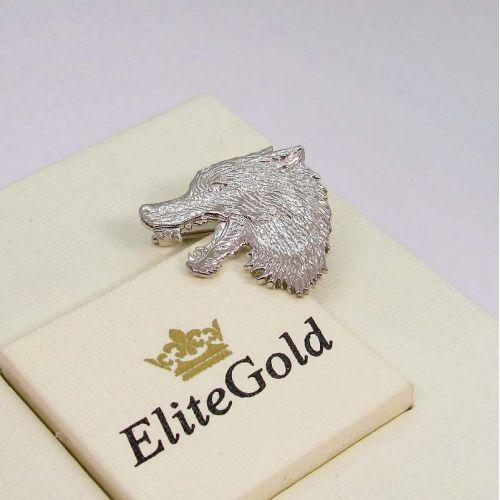 брошь в виде головы волка в белом золоте с бриллиантом