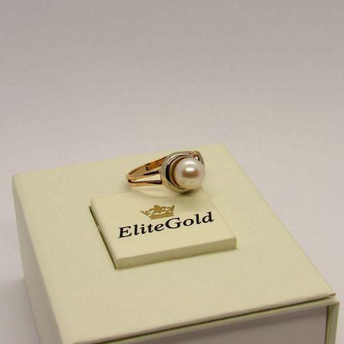 золотое женское кольцо с жемчугом