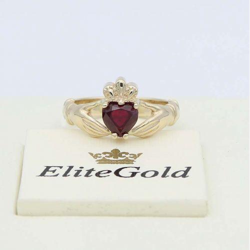 ирландское кольцо Red Heart с красным камнем